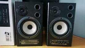 Behringer MS40 near field speakers monitors excellent condition.