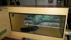 Vivarium for sale with heat mat and light fittings