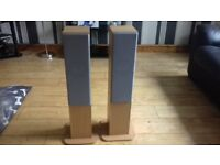 Lovely pair hifi floor standing speakers