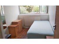 Freshly decorated Single room in a friendly house share with garden available(all bills included).