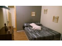 Angel-Islington Big Beautiful Cheap Double- Zone 1- Available Now = with balcony