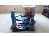 ELC Toy Garage Big City Garage HUGE Multi-storey with lights, sounds, lift, car wash, helipad 3-8yrs