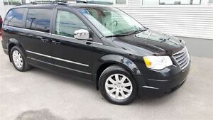 2010 Chrysler Town & Country Touring +Inspection Complète+