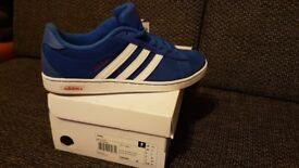Mens neo adidas trainers blue size 8