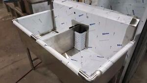 DOUBLE COMPARTMENT SINK  ( 16 GAUGE, 304 STAINLESS )