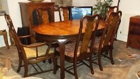 Beautiful Antique Extending Table & 6 Chairs