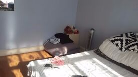 1 Double room to rent