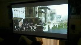 Optoma DS316L projector with motorised screen