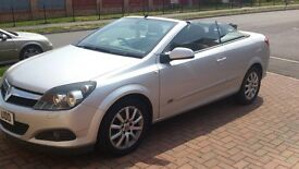 Vauxhal Astra twin top Sport convertible, 2009, 1.6 petrol , low milliage, new breaks