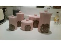 5 Ceramic Jars set - assorted sizes BN