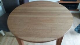 Oak extenable dining table