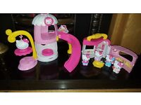 Hello kitty playset house and slide etc excellent condition