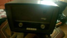 1950's Murphy bakelite radio