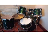 Drum set almost new