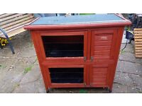 DOUBLE RABBIT / GUINEA PIG HUTCH WITH LEGS RUN