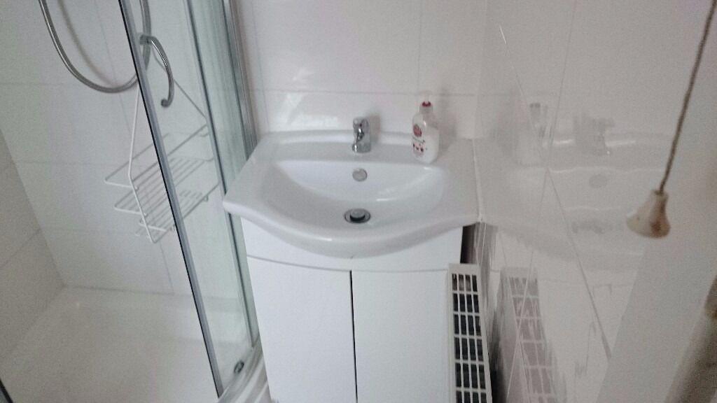 Studio flat with separate bathroom
