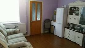 3 BEDROOMS IN SHARED HOUSE (BARGAIN!!)