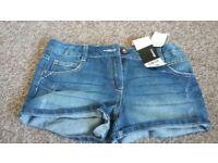 Girls demin shorts