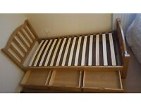 Single solid wood bed with 3 storage drawers