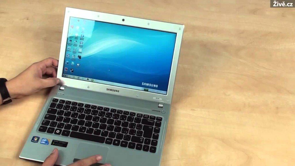 Samsung 13.3inch i3 Laptop win 7 Pro and fast SSD hard drive