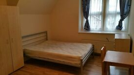 En-suite double room Woodside Park £150pw all bills included