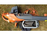 FLYMO Scirocco 3000 leaf blower/collector