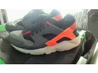 2 pairs Huraches trainers size 5.5