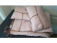 Bedeck Throw and matching cushions in dusky pink - new without tags