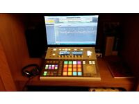 Native Instruments Maschine Studio with Komplete Select