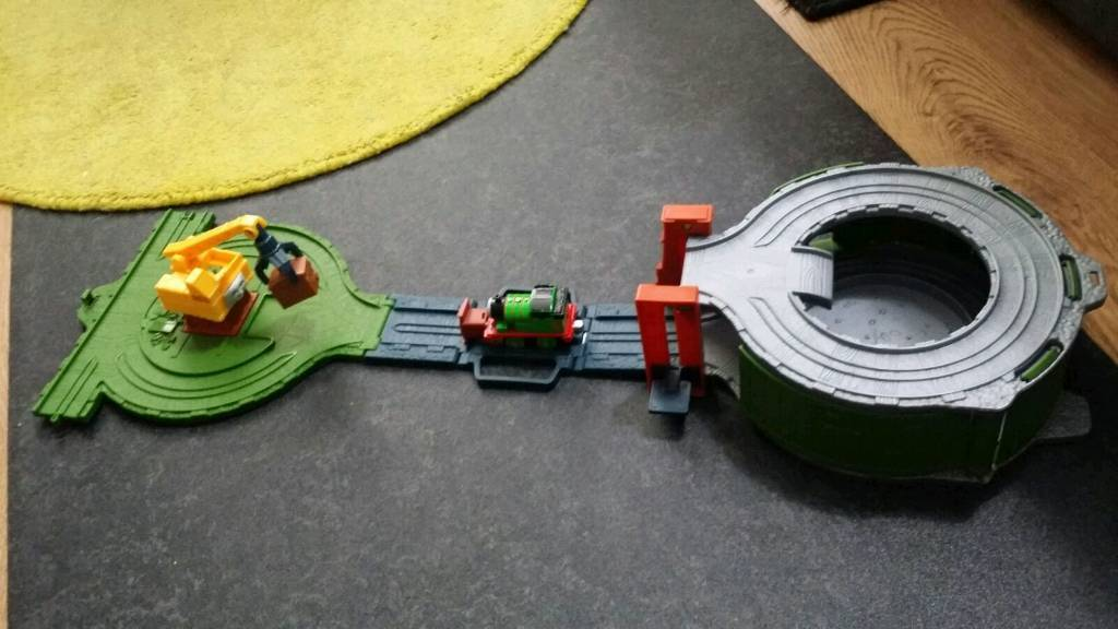 Thomas & Friends Take n Play Scrapyard Clean Up Team Playset