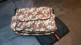 Skip hop changing bag
