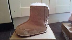 Baby girls ugg boots 1-1.5 yrs