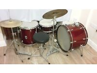 2 piece drum kit with Yamaha snare, cymbal and high hat. In good condition with rust in places.