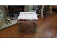 Vintage Retro Style Footstool Foot Stool Pouffe Side Table Bedside Table