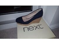 Navy wedges size 5