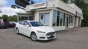 2013 Ford Fusion SE - SUNROOF! HEATED SEATS!