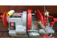 Pipe threader threading machine