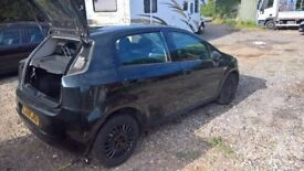 breaking fiat grande punto black all parts available