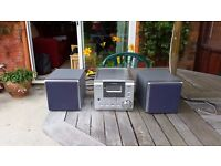 GoodmansCD/MP3 micro system with speakers in good working order