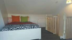 Beautiful loft room in a shared house located on ferandale road £450 pm