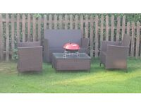 Raton garden table and chairs