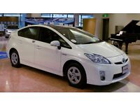 Breaking toyota prius 2010 all parts in the stock white colour