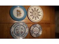 4 decorative plates £10