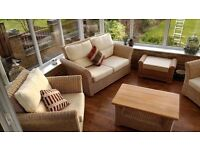 LARGE RATTAN SUITE CAN DLEIVER ABSOLUTE BARGAIN