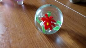 SMALL GLASS PAPERWEIGHT WITH FLOWER IN SIDE