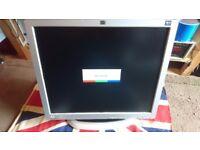 """HP L1750 4:3 17"""" LCD Monitor & Stand VGA DVI USB Hub"""