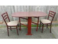 Table folding and 2 chairs