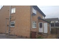 One bed flat to let in Stanley Wakefield.