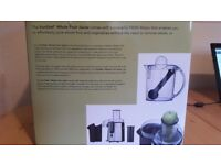 Whole fruit juicer - New and with powerful 990W motor