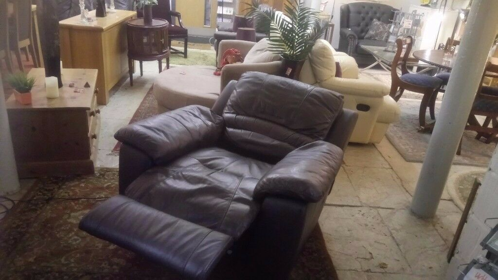 Fabulous dark brown ELECTRIC fully RECLINING chair £115 CHEAP local DELIVERY Stalybridge SK15 3DN